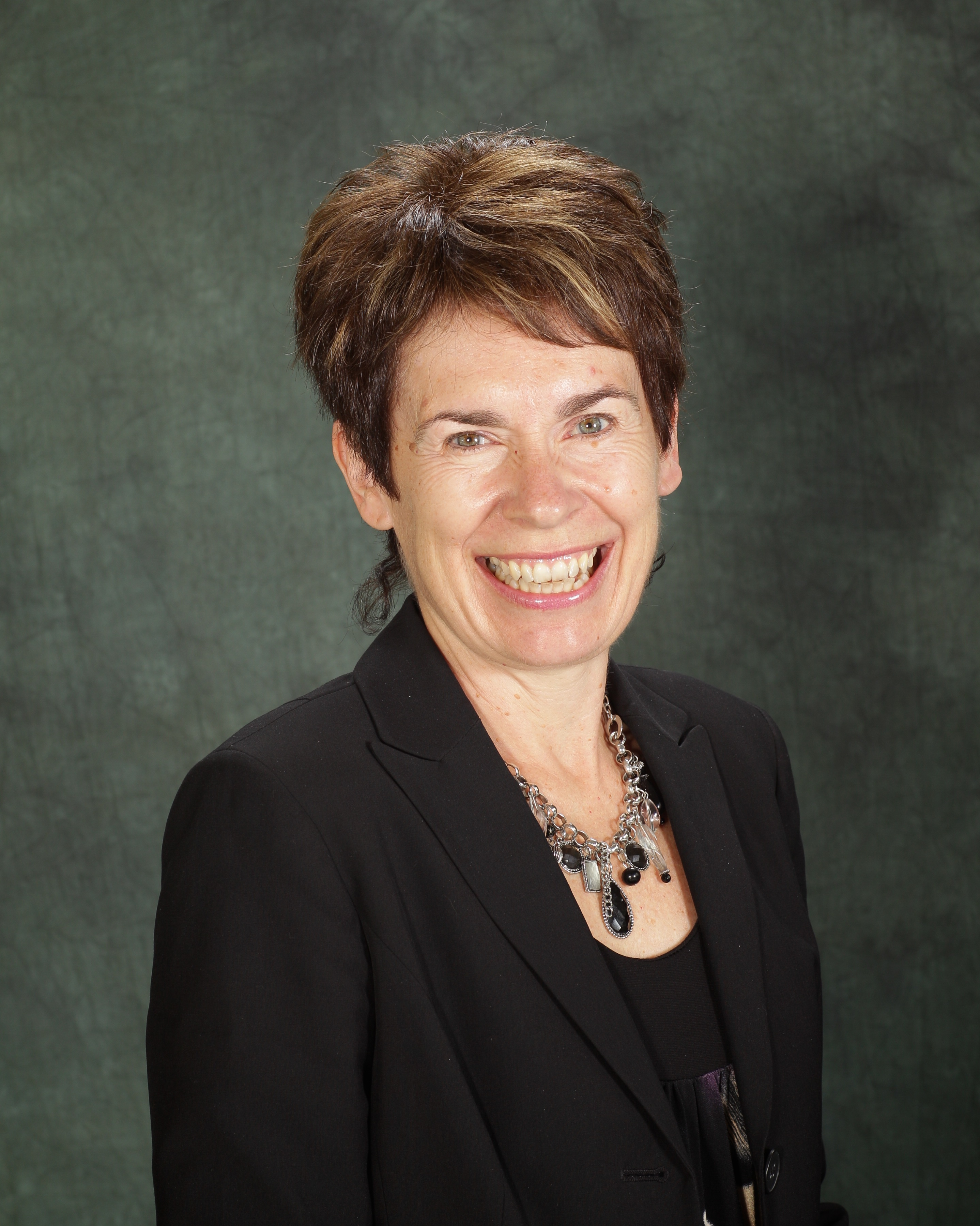 Elaine  Preston