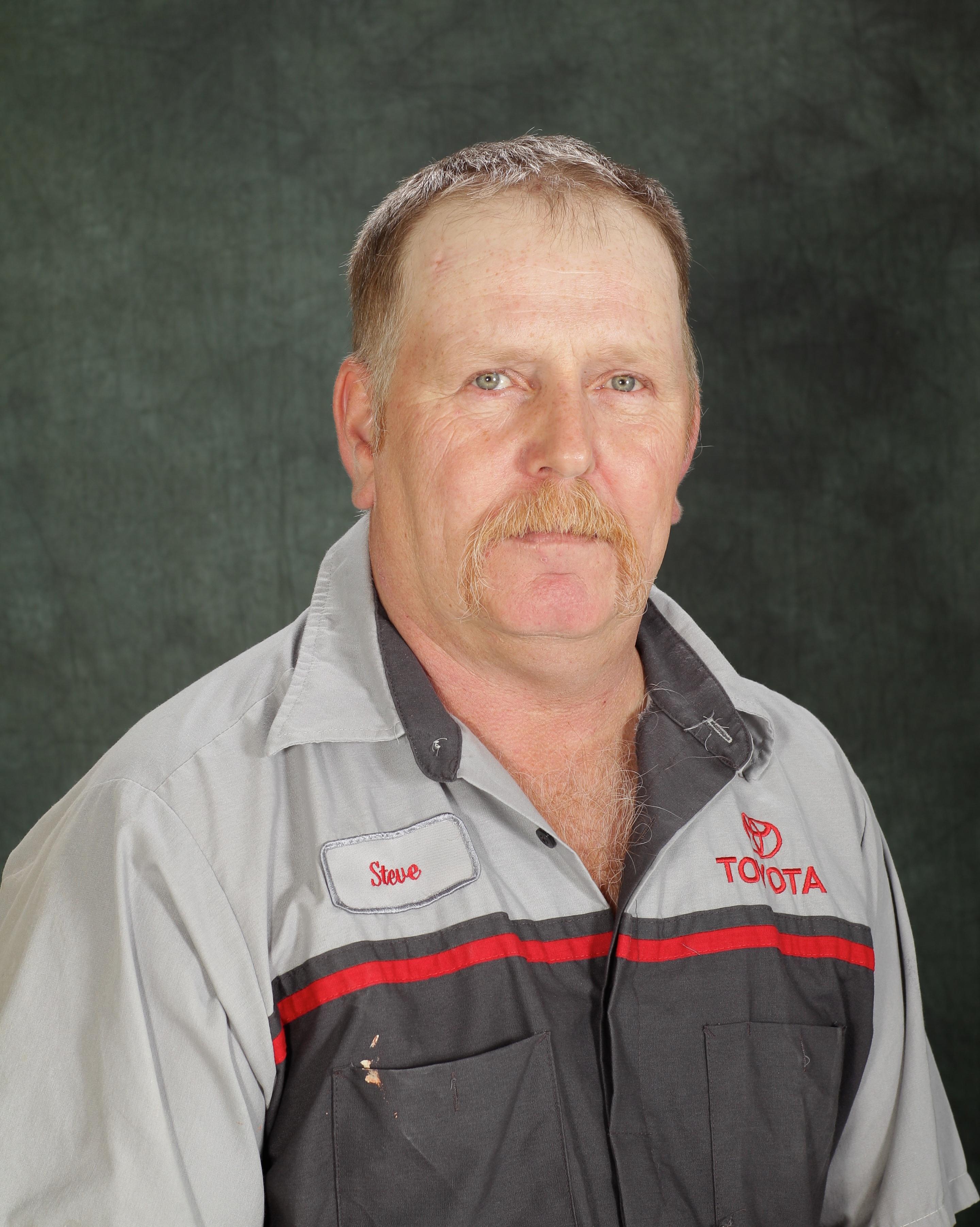 Steve    Whalen